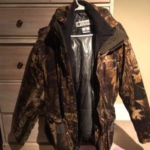 Other - Men's medium Columbia hunting jacket.